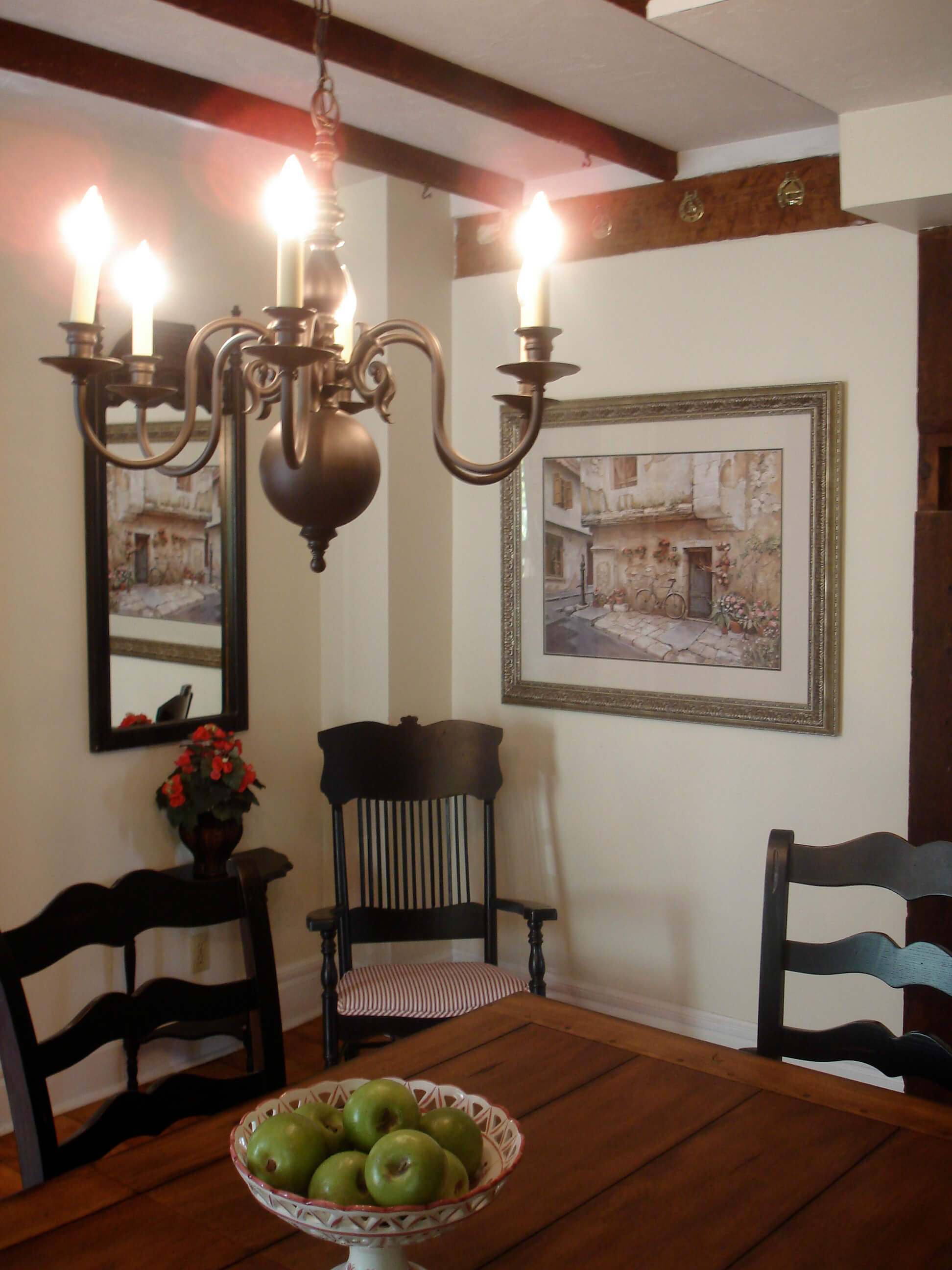 Avalon Niagara-on-the-Lake Dining Room Table Chandelier