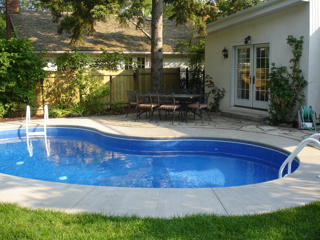 Inground Pool Avalon Vacation Rental Niagara-on-the-Lake